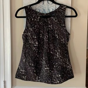 Apt9 Black and White Sleeveless Top Sz XS Petite